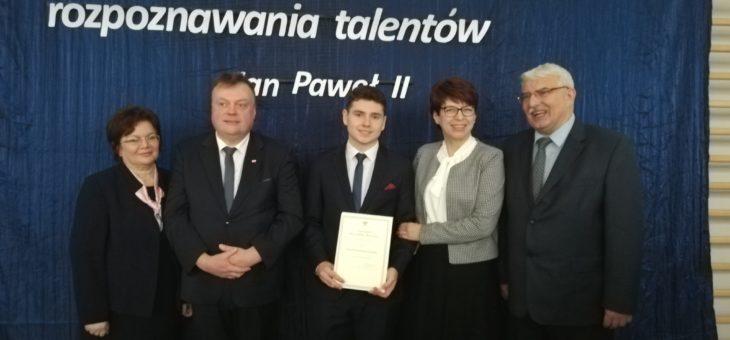 Kamil stypendystą Prezesa Rady Ministrów